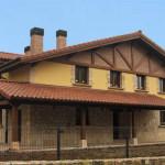 Cegama: 2 viviendas