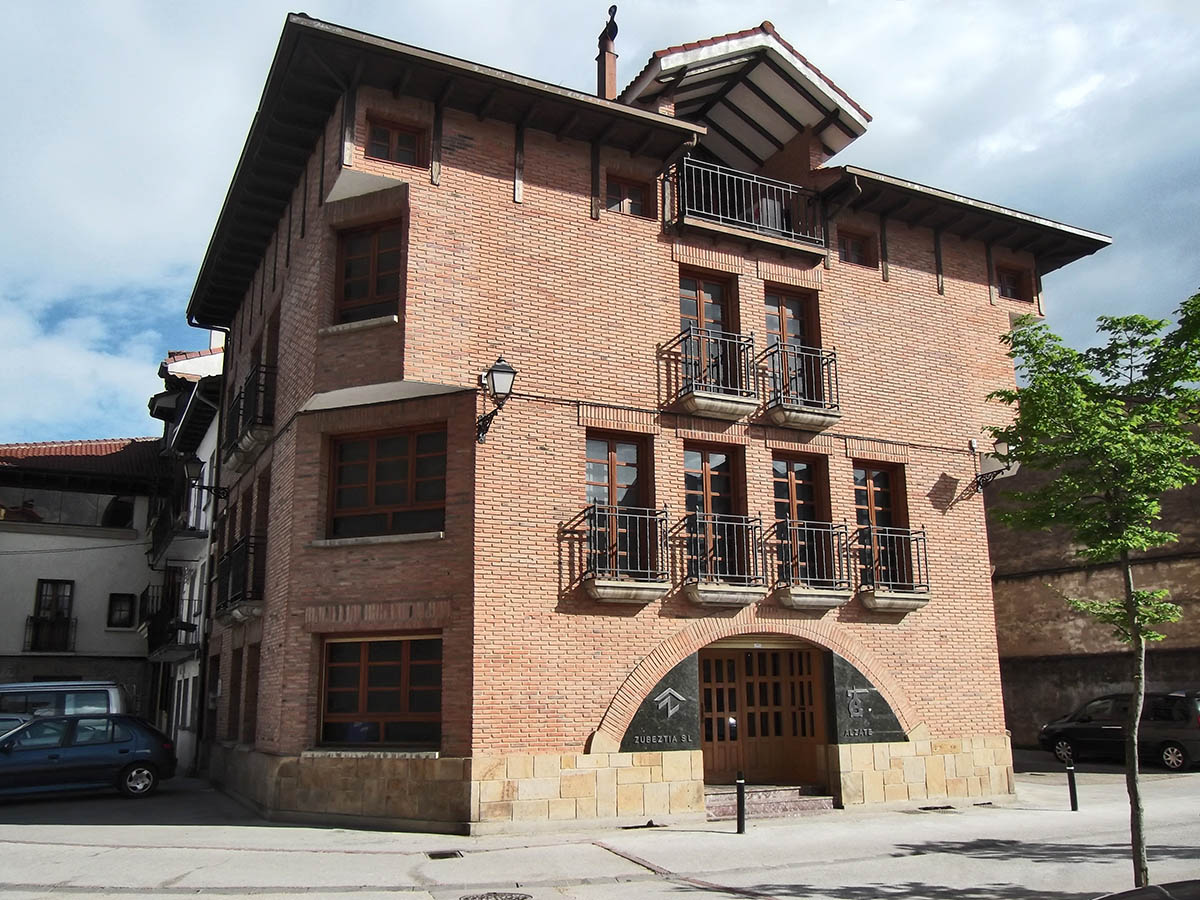 Oficina Construcciones Alzate